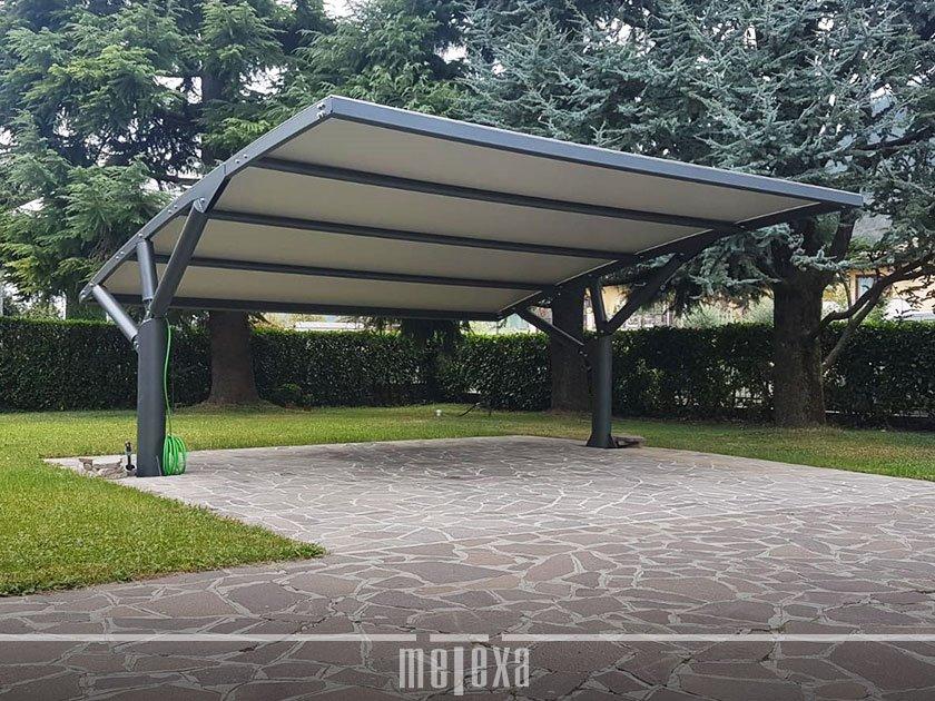 tettoia per auto parcheggio condominio