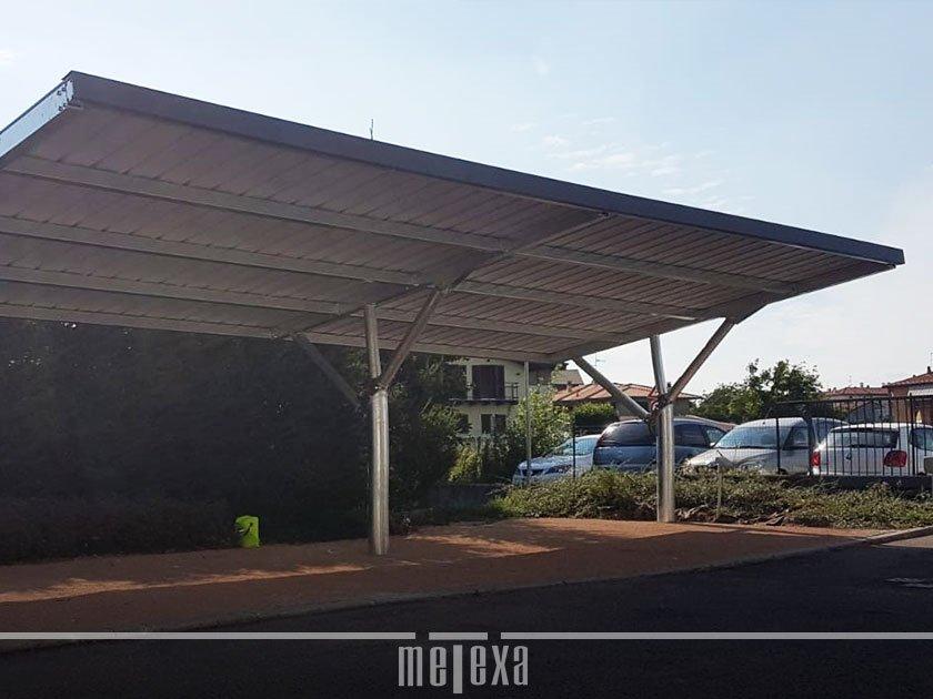 tettoie con pannelli fotovoltaici