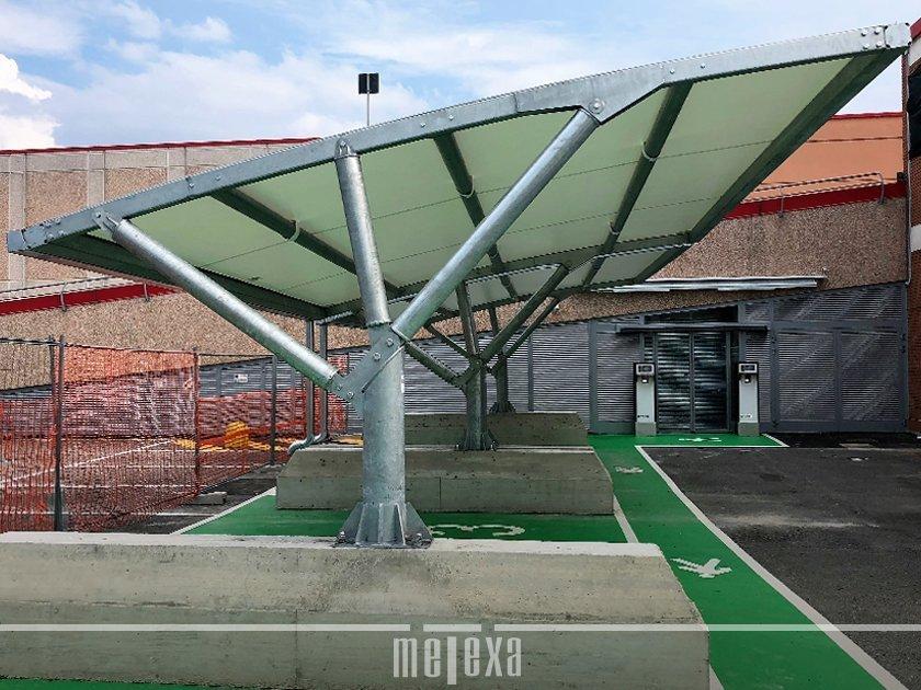 tettoia per auto con plinti esterni