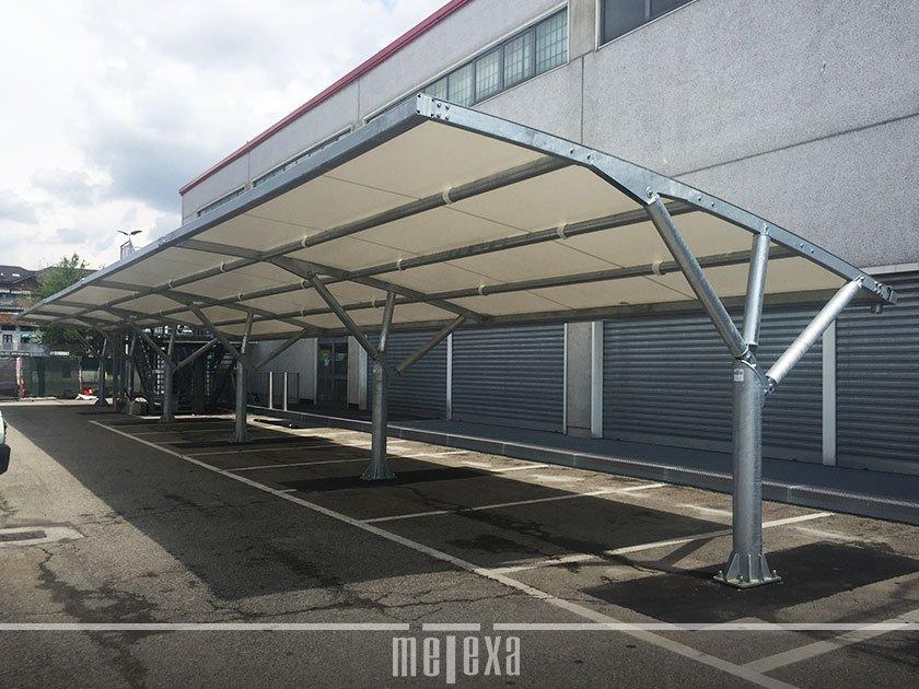 tettoie di grandi dimensioni per parcheggi